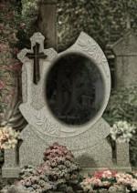Cruce funerara oglinda din granit gri deschis cu placa neagra