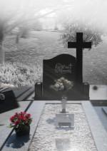 monument funerar cu cruce