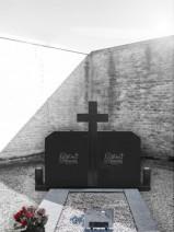 Monument funerar dublu poligonal nergru abanos