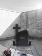 Monument funerar poligonal cu cruce II negru abanos